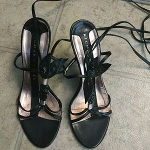 RICHARD TYLER strappy leather shoes size 6